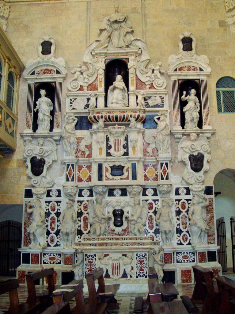 El mausoleu de Martí el Jove a la catedral de Càller, on fou enterrat.