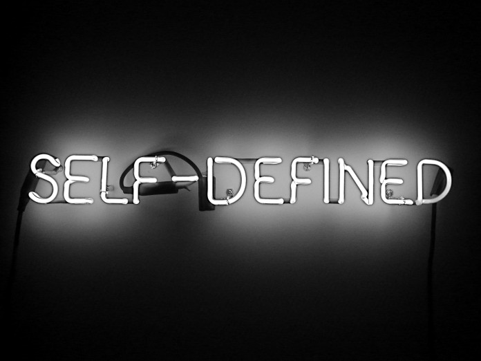 Joseph Kosuth, Self-defined (fragment), 1965. Imatge: Procsilas Moscas [Cfr. https://www.flickr.com/photos/procsilas/2995402022] Sota llicència CC BY-NC-SA 2.0.