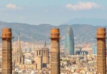 Barcelona, Torre Agbar y Catedral / Henrique Ferreira