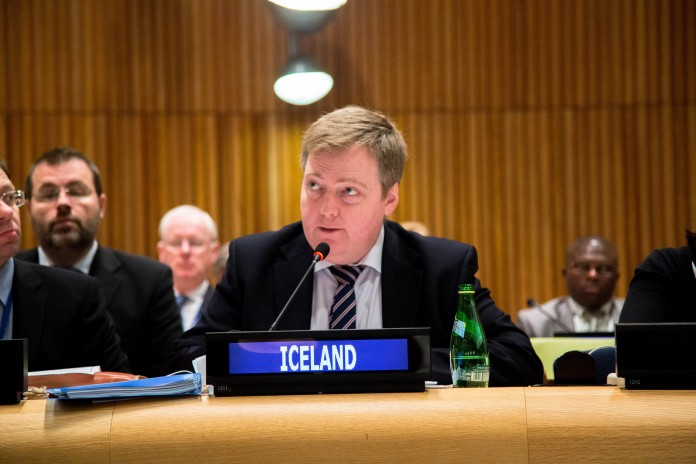 Icelandic PM addressing the event / Control Arms