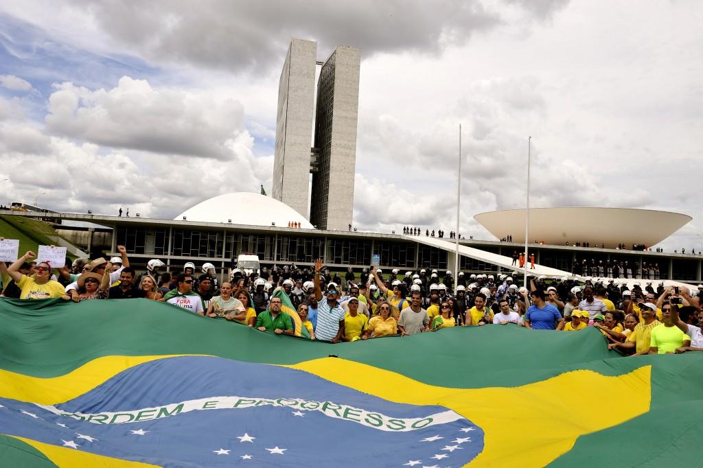 Manifestação em frente ao Congresso Nacional / Senado Federal