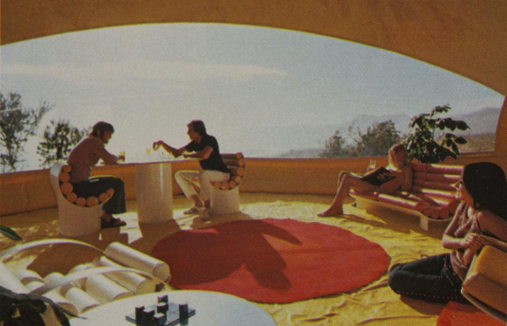 Bubble House Design Studio Chrysalis Revista Playboy, abril 1972, p. 118 / Playboy Magazine, april 1972 © Richard Fish