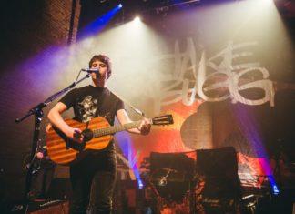 Jake Bugg durant una actuació a Londres aquest any – foto: jakebugg.com