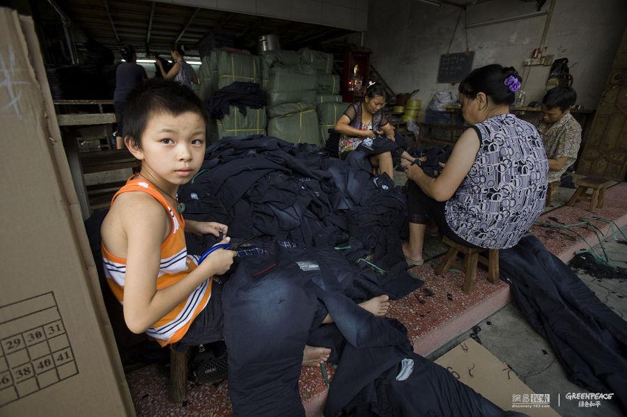 14 agost 2010 - Nen treballant a la província de Guangdong. Lu Guang / Greenpeace