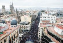 Imatge aèria de la Manifestació 'Volem Acollir'. Pla general del 18 de febrer de 2017 / ACN