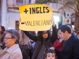 Protesta contra el bilingüismo / Alicante Plaza