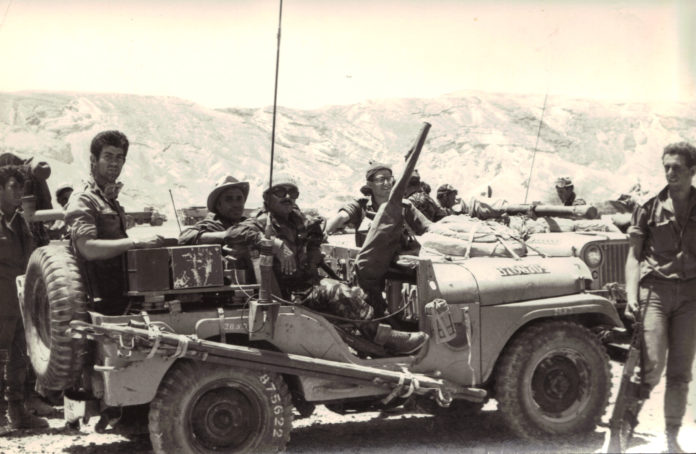 L'Exèrcit israelià en el Sinaí durant la guerra en 1967 / Viquipèdia