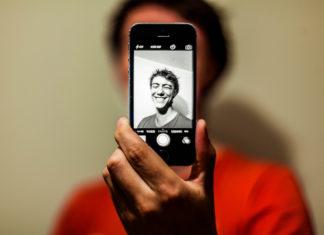 Selfie / Hamza Butt