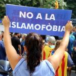 Una manifestant de la concentració alternativa a Barcelona / Pere Francesch