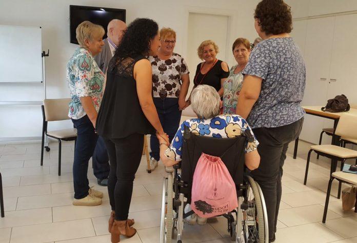 Peu de foto: El Grup de Suport Emocional i Ajuda Mútua de Martorelles, al Centre de Suport a la Llar// Diputació de Barcelona