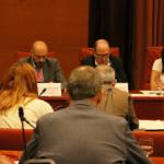 Imatge de l'interior de la Comissió de Control de la Corporació Catalana de Mitjans Audiovisuals, amb els directors de TV3, Catalunya Ràdio / Violeta Gumà