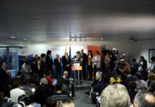 Imatge general de la roda de premsa del cap de llista de Junts per Catalunya, el president Carles Puigdemont, el dia després de les eleccions / José Soler