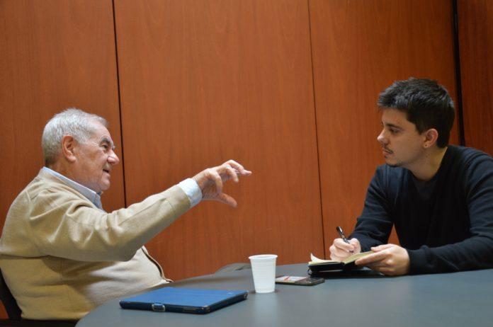 Ernest Maragall amb en Joan Solé al Parlament de Catalunya / Marina Bou