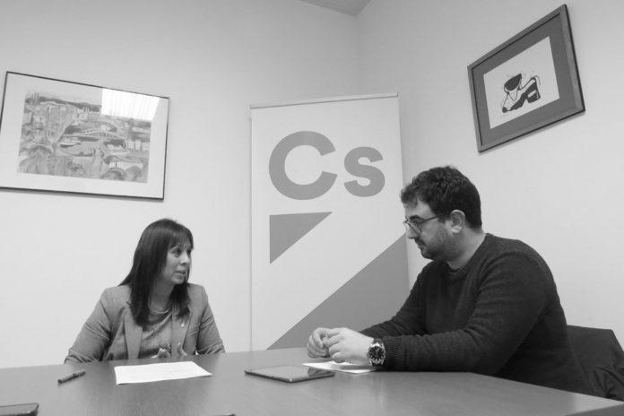 Maria Magdalena Barceló amb el periodista Miquel López-Egea / Alba Garcia