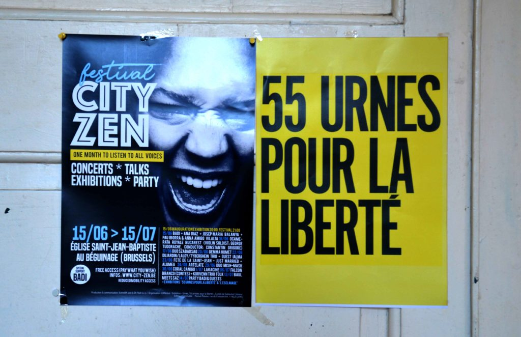 Cartells del Festival City Zen i l'exposició 55 urnes per la llibertat