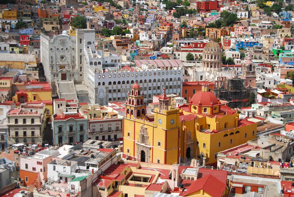 Guanajuato - Universidad y Basílica / Carlos ZGZ