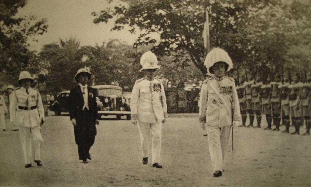 Piérre Ryckmans a la inauguració del monument al Rei Albert I a Leopoldville, 1935