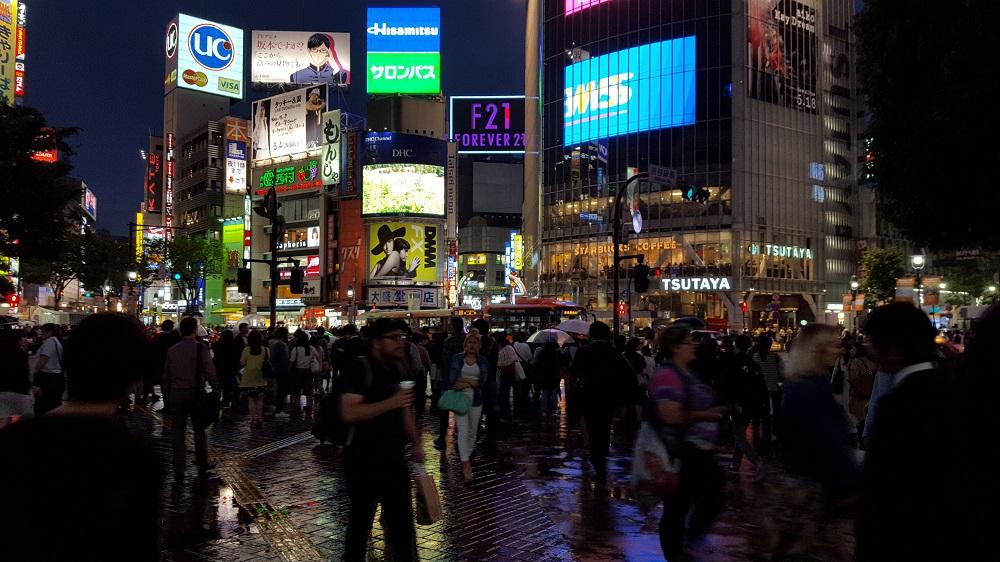 Avinguda Center Gai plena de gent