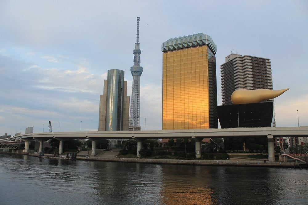 Riu Sumida amb la Tokyo Sky Tree de fons