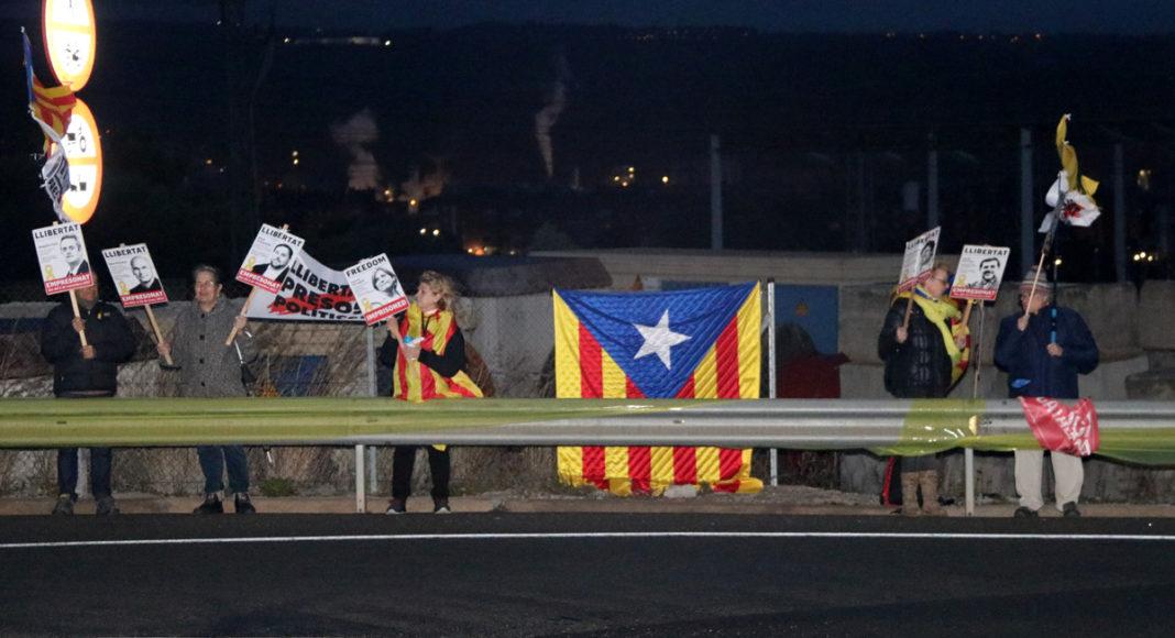 Manifestants a les portes de Brians