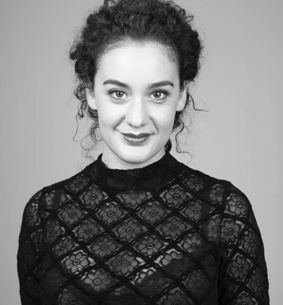 Júlia Barceló _ IG- @juliabarcelofer