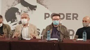 """Presentació de 'Poder i santedat"""". D'esquerra a dreta, el director del IVC, Abel Guarinos, el dramaturg Manuel Molins, i el director Paco Azorín"""