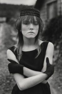 Mary Ellen Mark. Tiny vestida per Halloween, Seattle, Washington, Estats Units, 1983. Font: Foto Colectania.