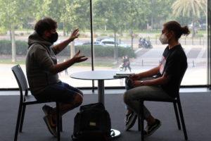 Foto durant l'entrevista al Espai Rambleta